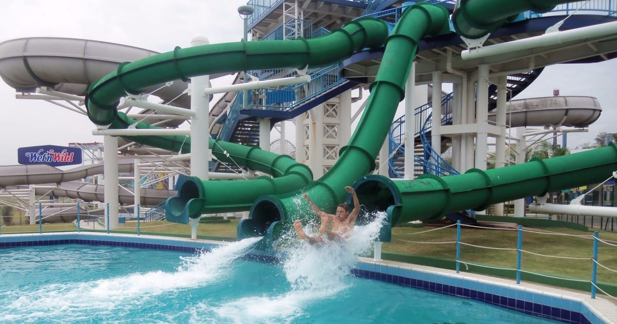 The Easiest Family Vacation Resorts for Working Moms - waterpark like Great Wolf or Kalahari