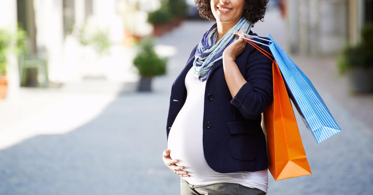 tips on maternity shopping for workwear