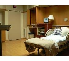 OB-GYN v  Midwife - CorporetteMoms
