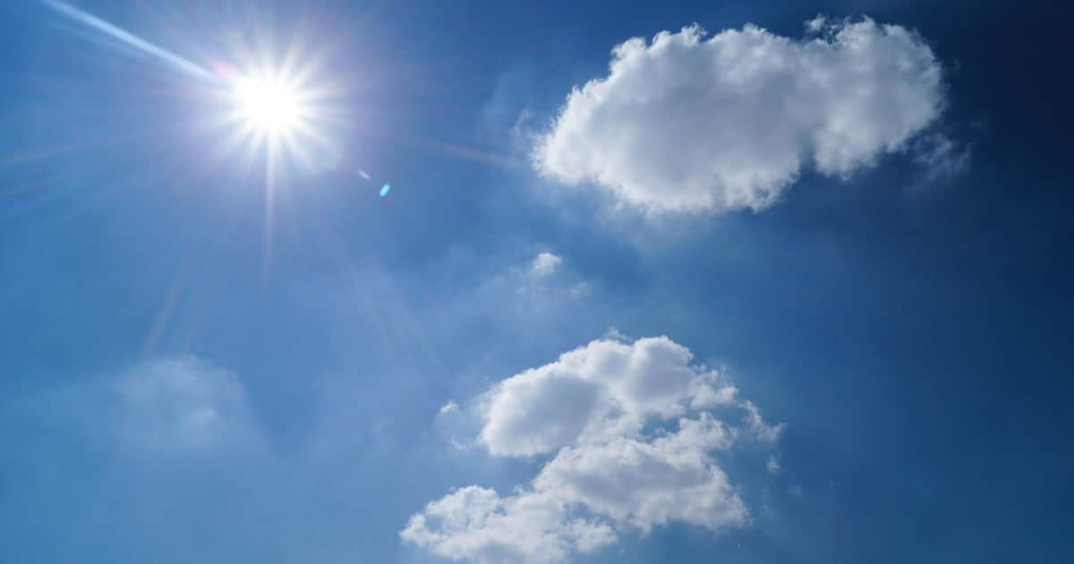 sun protection strategies for kids - image of sun and blue skies